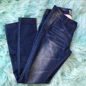 Ladies butt forming Jeans size 7/8